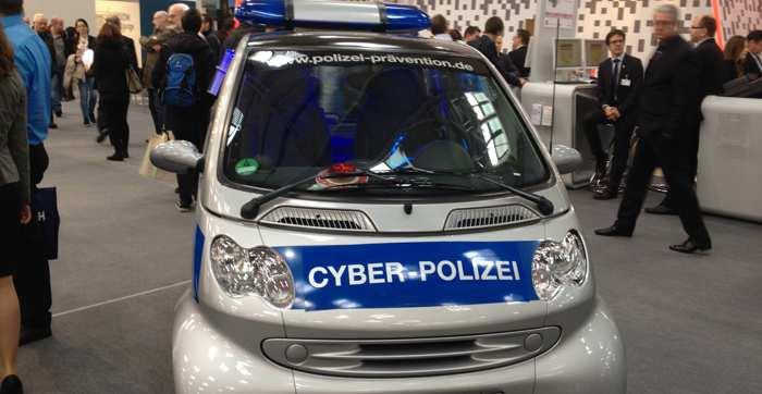 Tschechien: Mehrere Russen wegen Hackerangriffe auf staatliche Stellen festgenommen