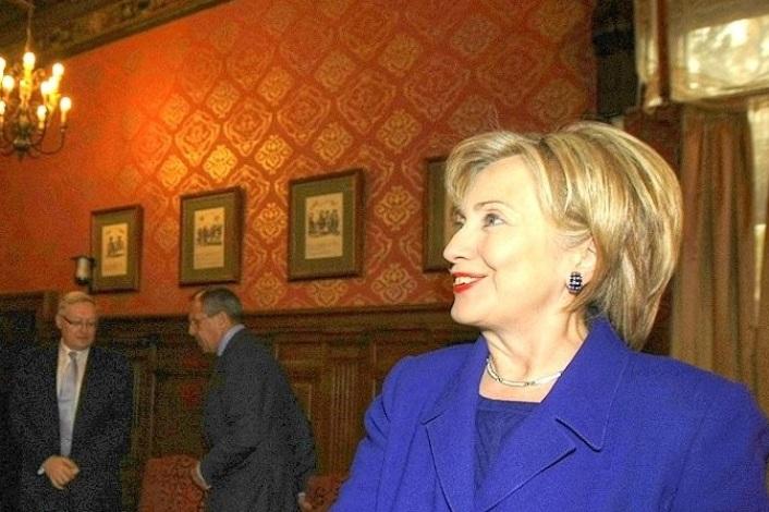 """Hillary Clinton: Aussetzung INF-Vertrag """"ein Geschenk an Putin"""""""