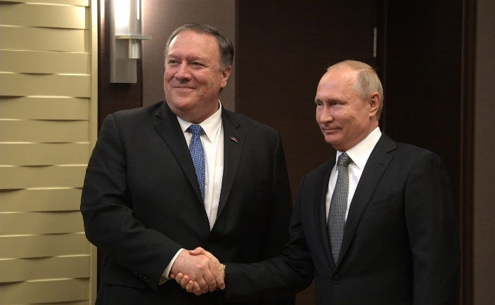 Uschakow: Putin und Pompeo hatten ein substantielles Gespräch