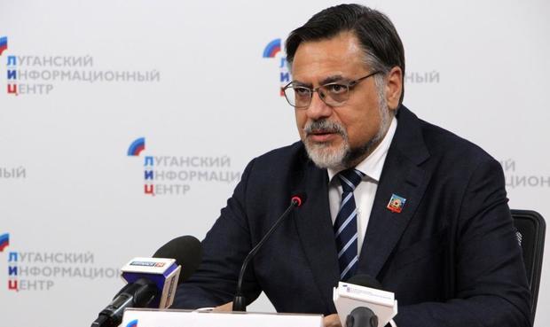 LVR-Außenminister kritisiert Kutschma, Sacharowa den ukrainischen Außenminister